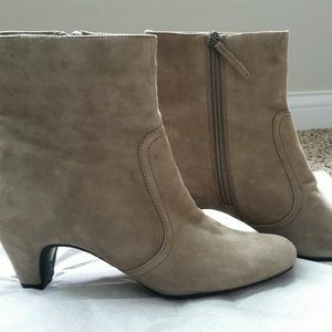 Sam Edelman Maddie Taupe Suede Ankle Boot 8.5 M